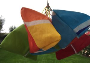 Verschiedene Farben Tasche aus gesegeltem Segel TRIANGOLI