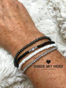 Dinge mit Herz Armband Mini Perlen schwarz weiß grau silber