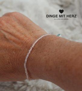 DINGE-MIT-HERZ Armband Mini hellrosa schimmernd gold