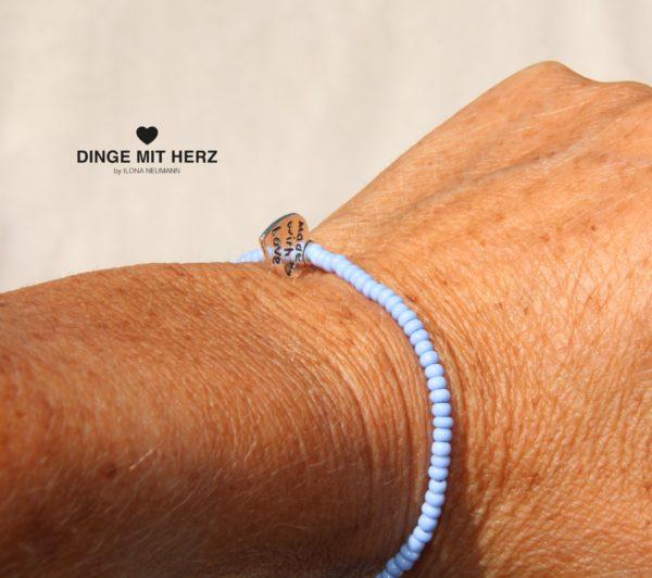 DINGE-MIT-HERZ Armband hellblau mini