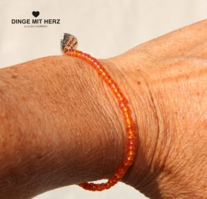 DINGE-MIT-HERZ Armband orange mini schimmernd