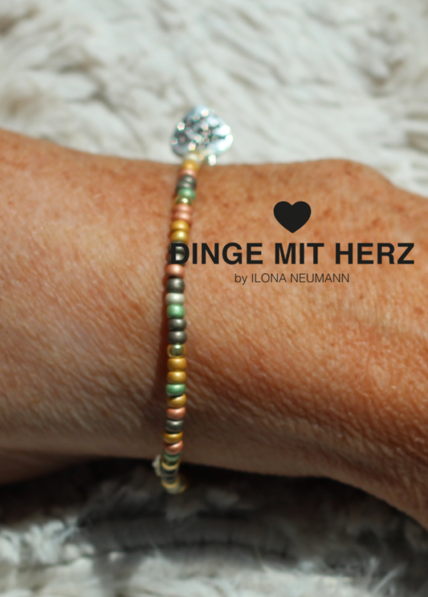 Dinge mit Herz Armband oliv-gold-grün mini pastell matt
