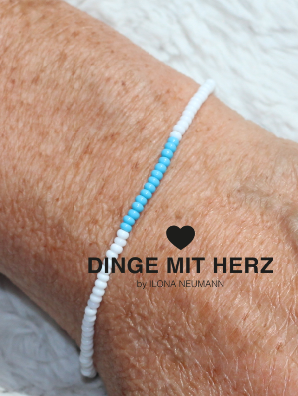 DINGE MIT HERZ Armband weiß mit türkis micro