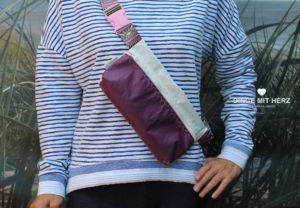Dinge mit Herz Body Bag Bauchtasche Masrupio weiß aubergine