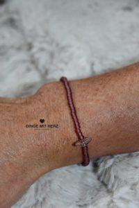 DINGE MIT HERZ Armband MINI brombeer frosted iced matt