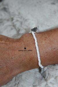 DINGE MIT HERZ Armband MINI weiß schimmernd