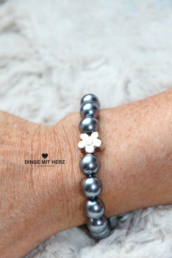 DINGE MIT HERZ Armband Sommer Sale dunkelgrau groß Silberblüte